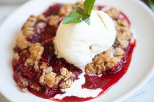how to make Strawberry Rhubarb Crisp